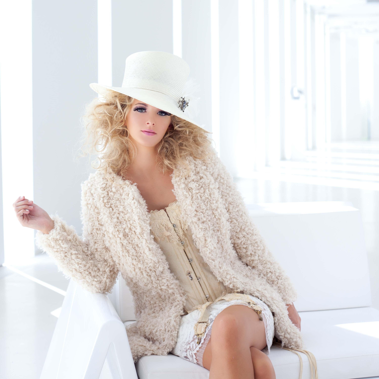 sombreros para ir de boda Pingleton Hats blog