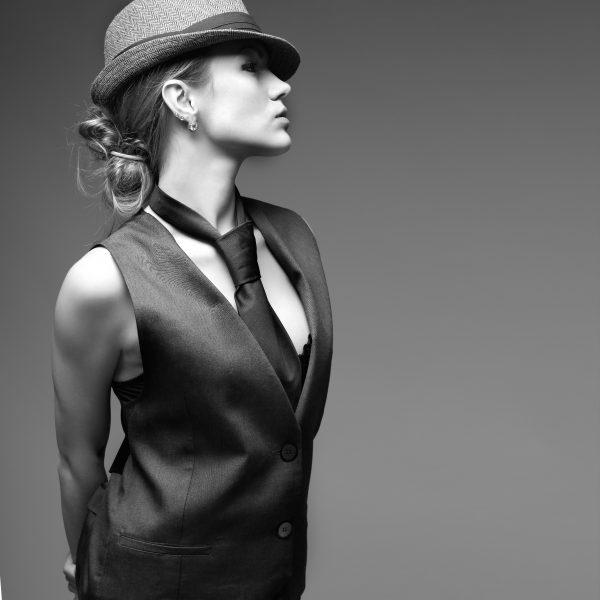 Se trata de un sombrero que lleva implícita una declaración de estilo y  personalidad 280dee2cab0